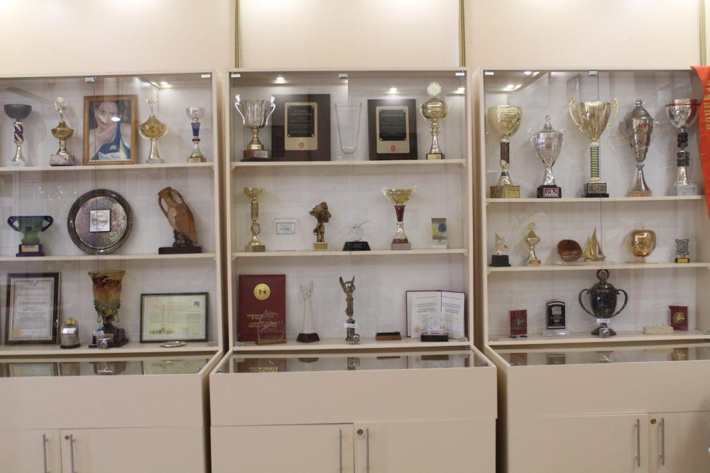 Җиңед атлетика буенча олимпия чемптоны Фирая Солтанова-Жданова бүләкләре